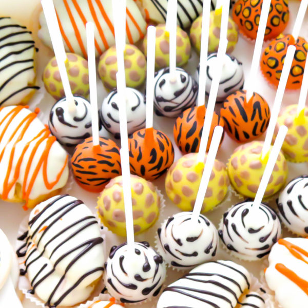 C107 - mini eklerki, cake pops, praline pops, urodzinowe, firmowe, dla firm, słodycze firmowe, reklamowe , event, słodki stół, urodziny