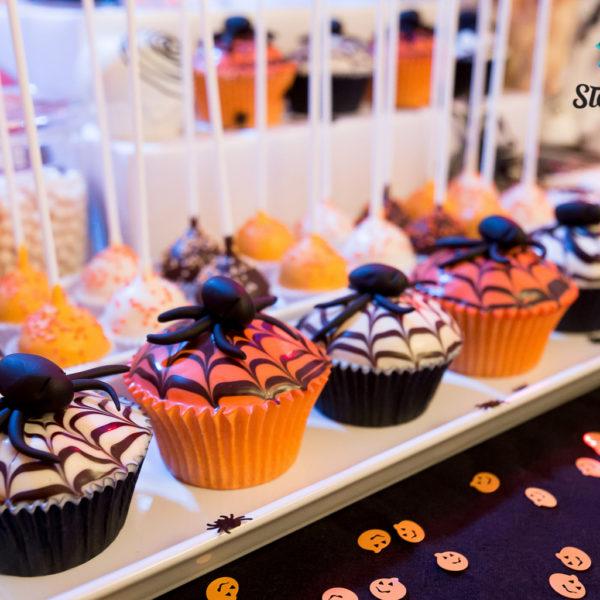 C119 - cupcakes, muffiny, halloween, słodki stół, kącik, candy, bar