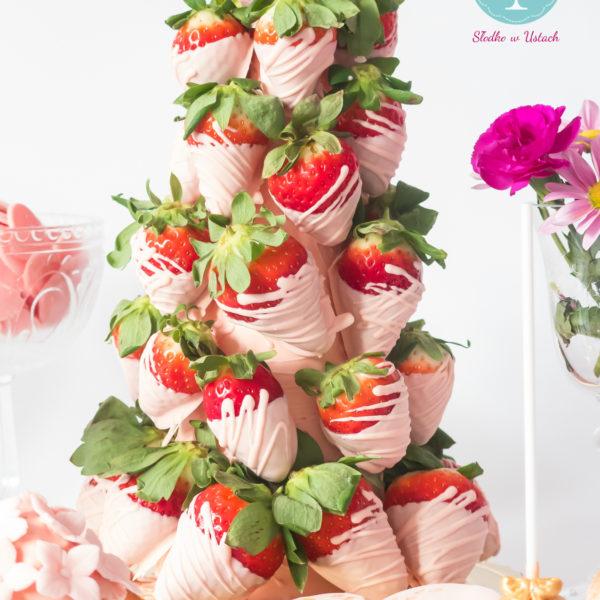 C15 - stożek, z owocami, słodki stół, kącik, candy, bar , owoce, warszawa, z dostawą,