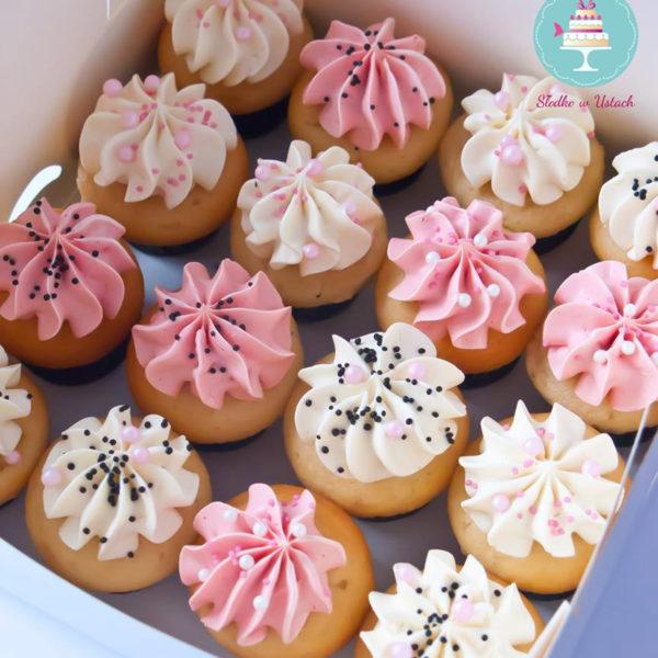 C26 - cupcakes, muffiny, słodki stół, kącik, candy, bar , warszawa, z dostawą, na ślub, wesele