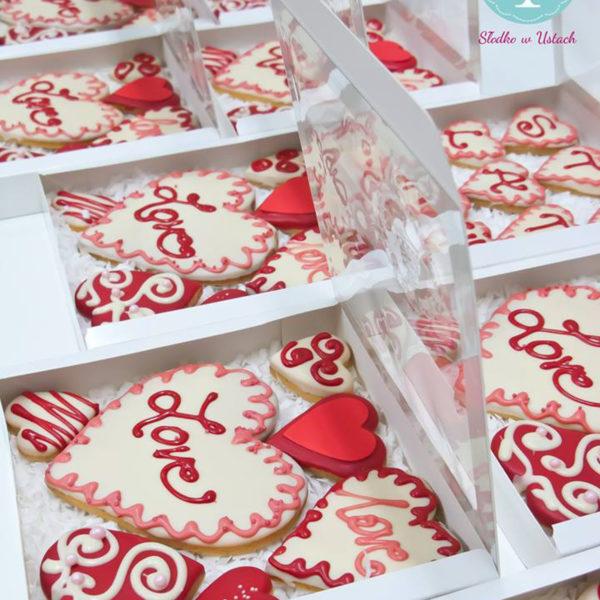 C28 - ciastka, kruche, prezenty, słodki stół, kącik, candy, bar , warszawa, z dostawą, na ślub, wesele, walentynki