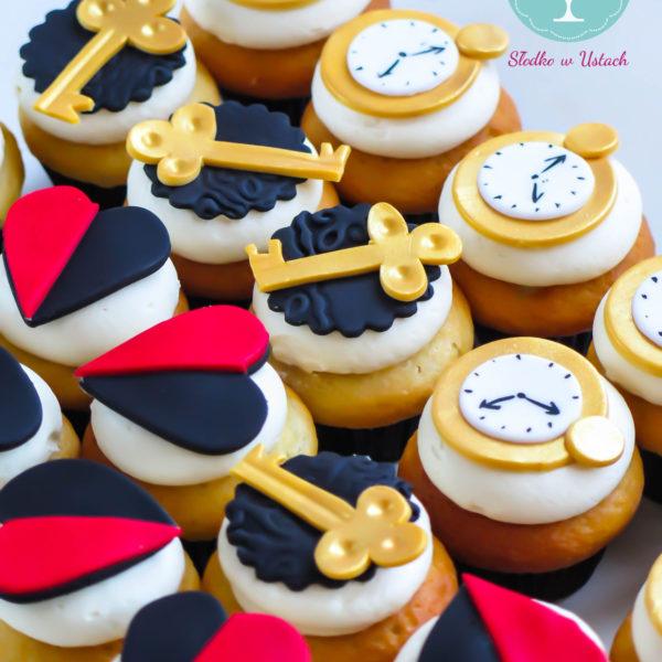 C46 - cupcakes, muffiny, alicja w krainie czarów, słodki stół, kącik, candy, bar ,