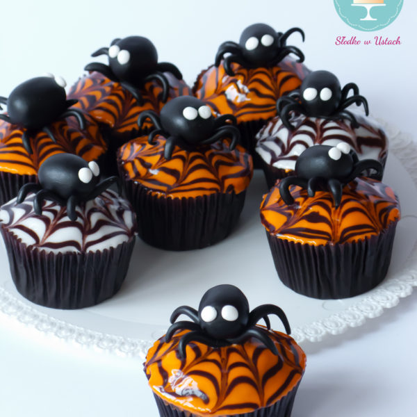 C51 - cupcakes, muffiny, halloween, słodki stół, kącik, candy, bar