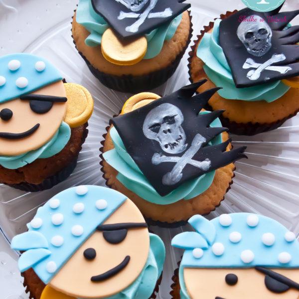 C53 - cupcakes, muffiny, słodki stół, kącik, candy, bar , urodziny,