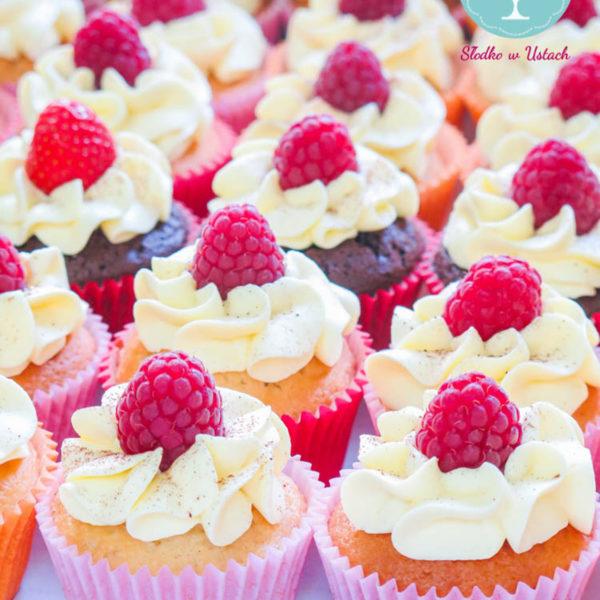 C6 - cupcakes, muffiny, z owocami, słodki stół, kącik, candy, bar , owoce, warszawa, z dostawą,