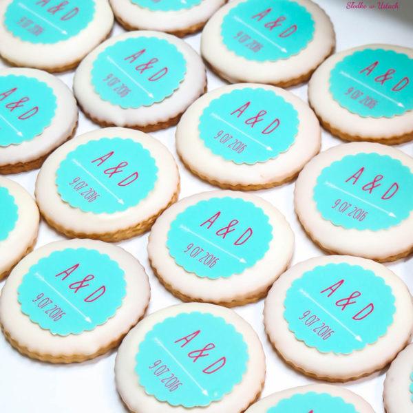 C64 - ciastka, kruche, monogram, prezenty, słodki stół, kącik, candy, bar , warszawa, z dostawą, na ślub, wesele