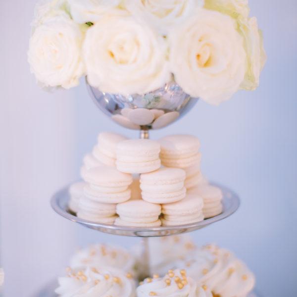 C65 - cupcakes, makaroniki, muffiny, z kwiatami, słodki stół, kącik, candy, bar , kwiaty, dzień kobiet, na ślub, wesele
