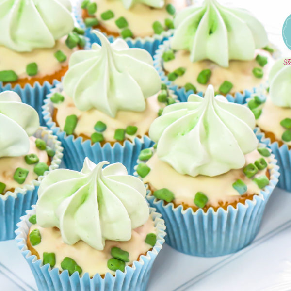 C66 - cupcakes, muffiny , słodki stół, kącik, candy, bar , bezy, dzień kobiet, na ślub, wesele, urodziny