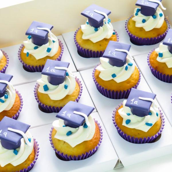 C67 - cupcakes, muffiny, pasowanie, słodki stół, kącik, candy, bar , okazjonalne