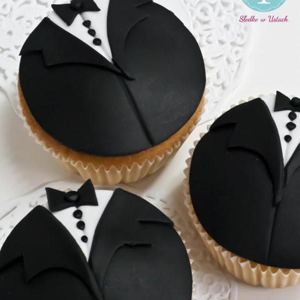 C78 - cupcakes, muffiny, pan młody, słodki stół, kącik, candy, bar , na ślub, wesele