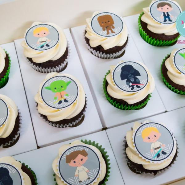 C88 - cupcakes, muffiny, star wars, gwiezdne wojny, słodki stół, kącik, candy, bar , urodziny,