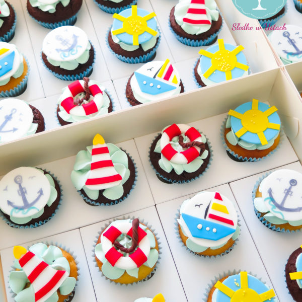 C91 - cupcakes, muffiny, wakacje, słodki stół, kącik, candy, bar, prezenty