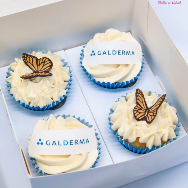 F43 - muffiny firmowe, cupcakes, babeczki firmowe, dla firm, słodycze firmowe, reklamowe, personalizowane, galderma, słodko w ustach,
