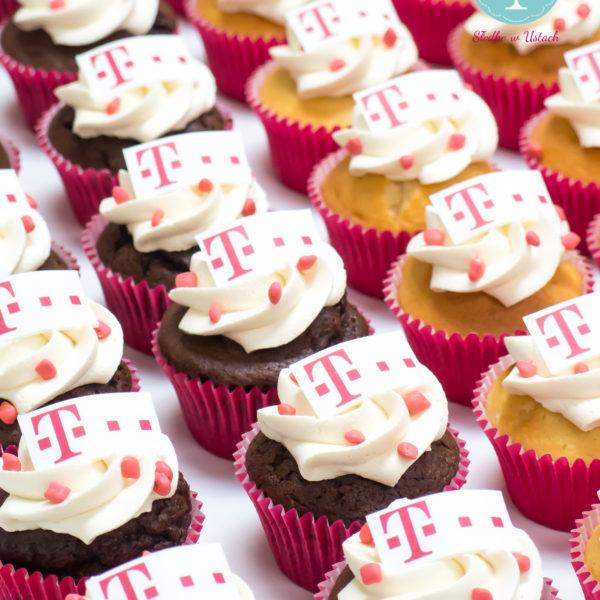 F48 - muffiny firmowe, cupcakes, babeczki firmowe, personalizowane, dla firm, słodycze firmowe, reklamowe, tmobile, słodko w ustach, warszawa