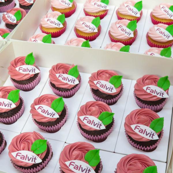 F49 - muffiny firmowe, cupcakes, babeczki firmowe, dla firm, słodycze firmowe, reklamowe, personalizowane, falvit, słodko w ustach, warszawa