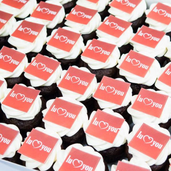 F52 - muffiny firmowe, cupcakes, babeczki firmowe, dla firm, słodycze firmowe, reklamowe , personalizowane, słodko w ustach, z dostawą