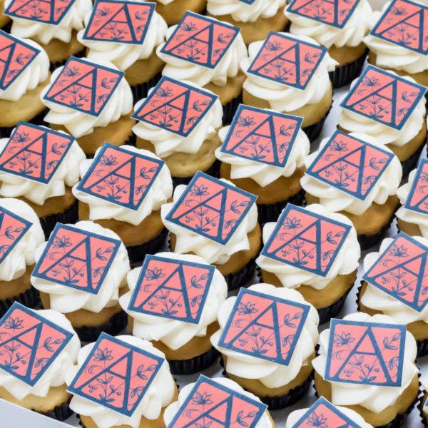F56 - muffiny firmowe, cupcakes, babeczki firmowe, dla firm, słodycze firmowe, reklamowe , personalizowane, słodko w ustach, warszawa