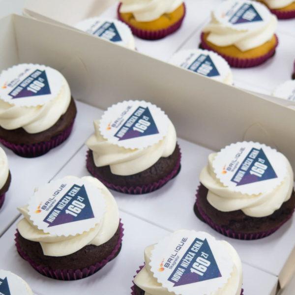 F58 - muffiny firmowe, cupcakes, babeczki firmowe, dla firm, słodycze firmowe, reklamowe , personalizowane, słodko w ustach, warszawa
