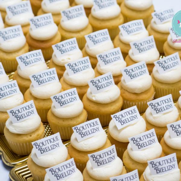 F69 - muffiny firmowe, cupcakes, babeczki firmowe, dla firm, słodycze firmowe, reklamowe, personalizowane, boutique bielizny, słodko w ustach, warszawa