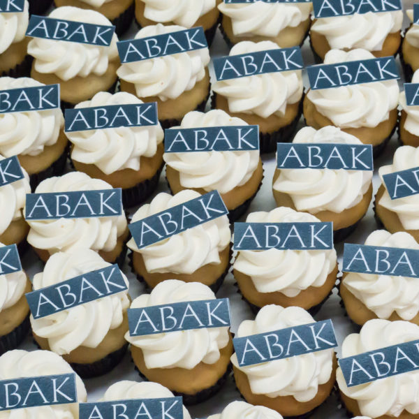 F71 - muffiny firmowe, cupcakes, babeczki firmowe, personalizowane, dla firm, słodycze firmowe, reklamowe, abak, słodko w ustach, warszawa