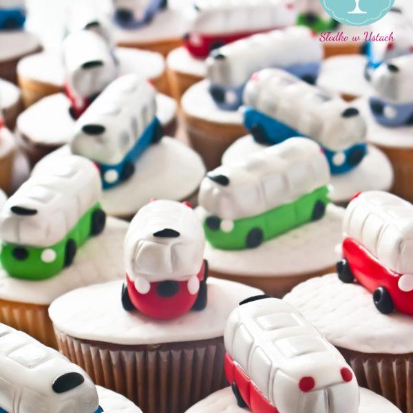 F77 - muffiny firmowe, cupcakes, babeczki firmowe, dla firm, słodycze firmowe, reklamowe, personalizowane, słodko w ustach, warszawa, ogórek