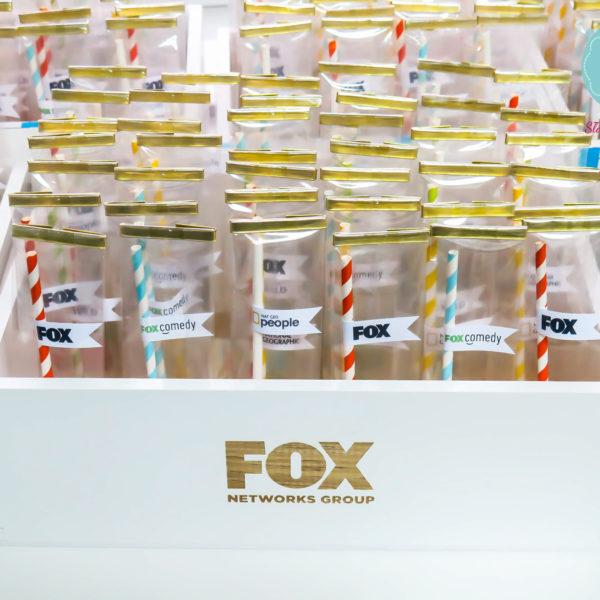 F86 - cake pops, dla firm, słodycze firmowe, reklamowe , personalizowane, słodko w ustach, fox, national geographic