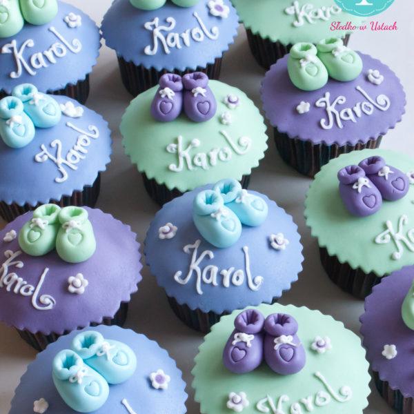 KCH7 - muffiny na chrzest, chrzciny, gift, z bucikami, warszawa, słodko w ustach,