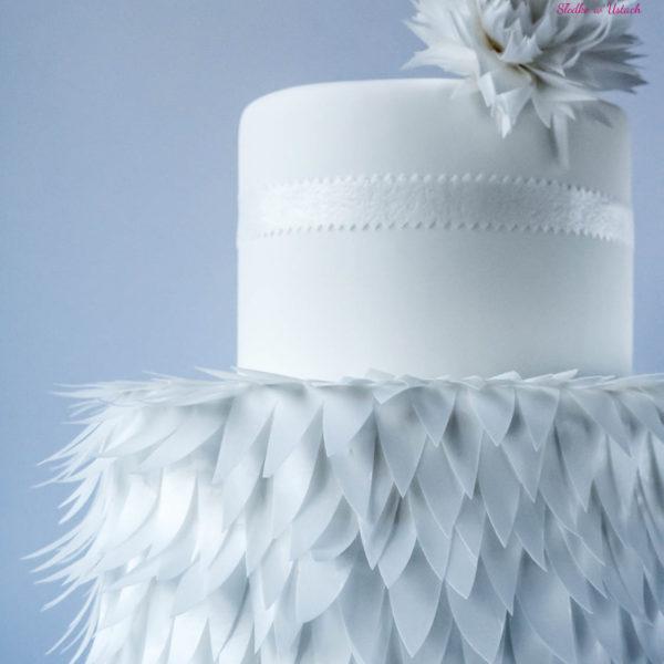 S27 - tort na ślub, wesele, ślubny, weselny, elegancki, piętrowy , z kwiatami, cake, warszawa, z dostawą, pióra