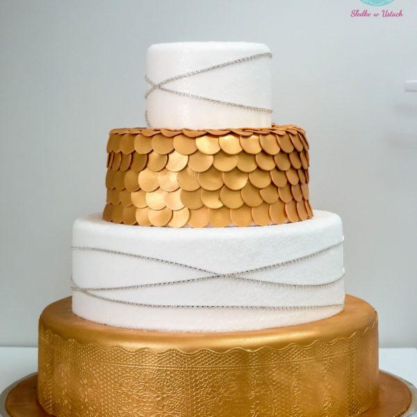 S32 - tort na ślub, wesele, ślubny, weselny, biel, złoto, złocony, złoty, monogram piętrowy , z kwiatami, kwiaty, cake, piaseczno, z dostawą,
