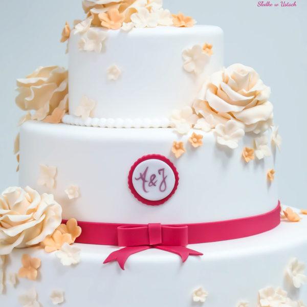 S48 - tort na ślub, wesele, ślubny, weselny, biel, elegancki, piętrowy , z kwiatami, cake, warszawa, z dostawą,