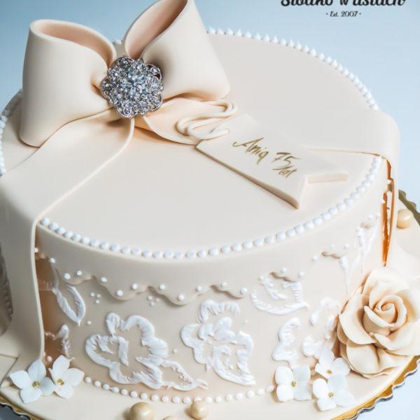 U25 - tort urodzinowy, na urodziny, pudełko, kokardka, ornament , z kwiatami, artystyczny, warszawa, z dostawą,
