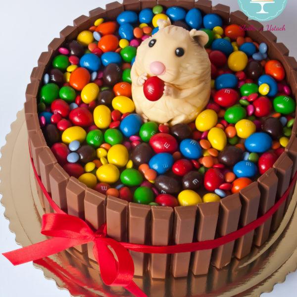 U80 - tort urodzinowy, na urodziny, dla dzieci, artystyczny, m&m's, chomik, kit kat