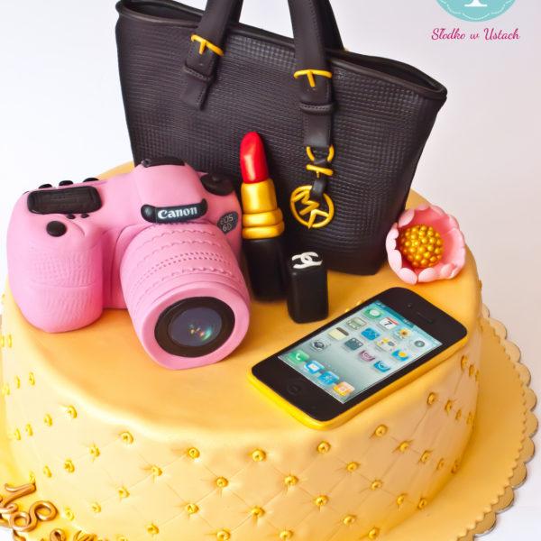 U92 - tort urodzinowy, na urodziny, artystyczny, kobiecy, hobby, pasja ,torebka, michael kors, szminka, warszawa