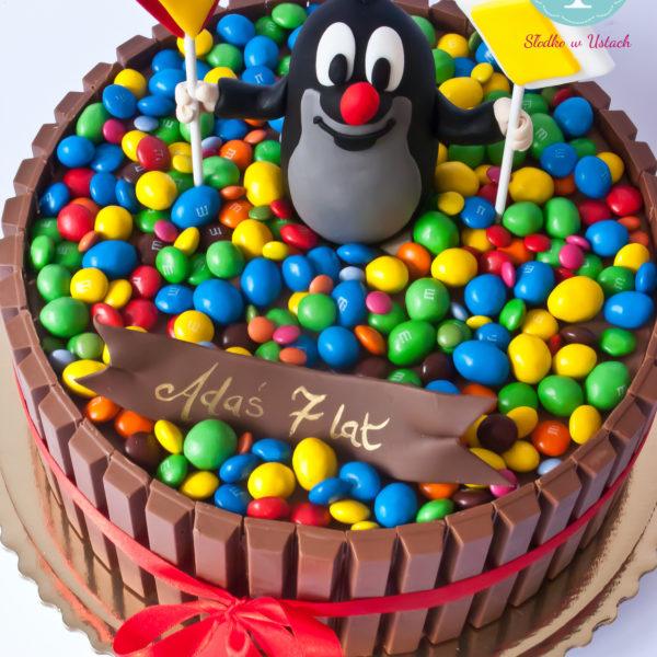 U102 - tort urodzinowy, na urodziny, dla dzieci, artystyczny, m&m's, krecik, kit kat