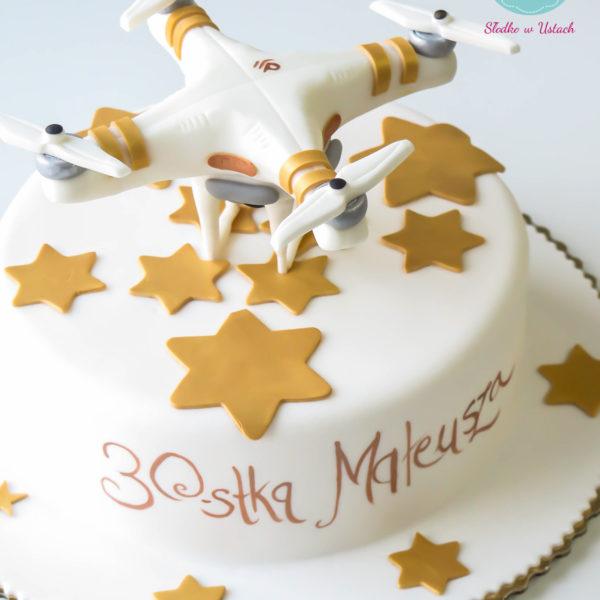 U199 - tort urodzinowy, na urodziny, dla dzieci, artystyczny, dron, warszawa, 30, trzydziestka