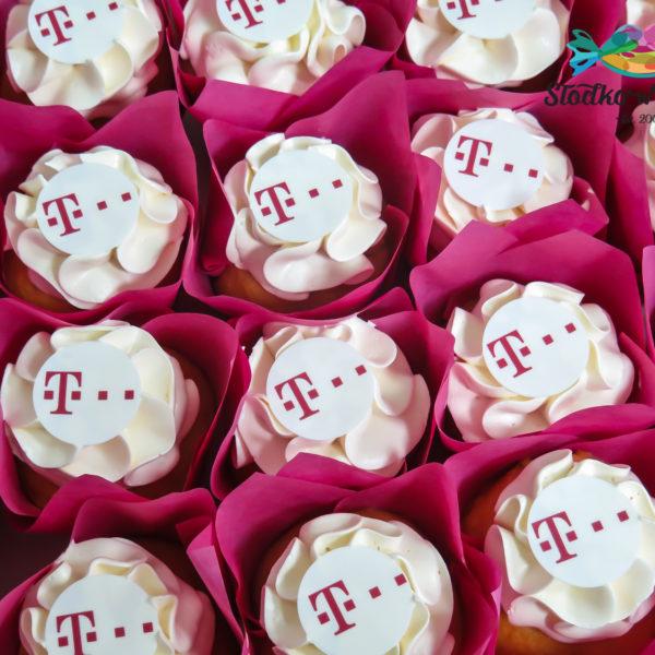 F101 - muffiny firmowe, cupcakes, babeczki firmowe, dla firm, słodycze firmowe, reklamowe, personalizowane, tmobile, słodko w ustach, warszawa