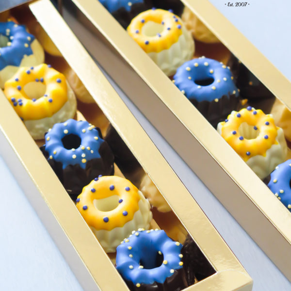 F106 - baba, wielkanocna, dla firm, słodycze firmowe, reklamowe, personalizowane, słodko w ustach, warszawa, świąteczne, prezenty, z dostawą,