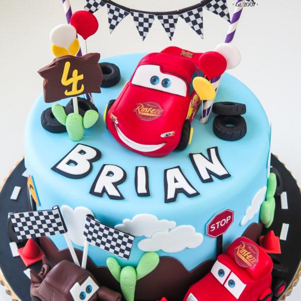 U297 - tort urodzinowy, na urodziny, dla dziecka, artystyczny, auta, cars, zygzak, mcqueen, złomek, warszawa, konstancin jeziorna