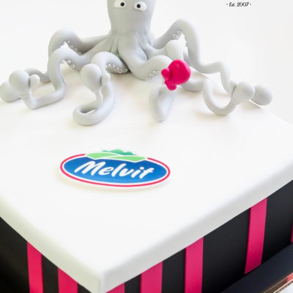 F111 - tort firmowy, dla firm, na spotkanie, biznesowe, słodycze firmowe, reklamowe, personalizowane, MullenLowe , warszawa, z dostawą