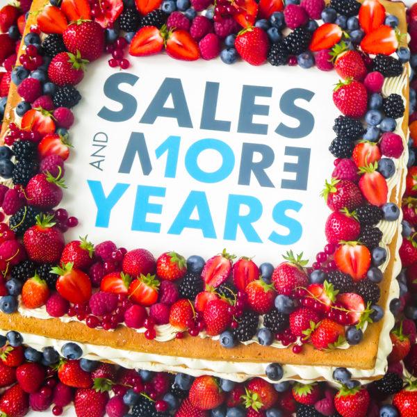 F116 - tort firmowy, dla firm, słodycze firmowe, w podziękowaniu, dla pracownika, reklamowe, prezent, personalizowane, sales&more , warszawa, bez masy cukrowej, z owocami