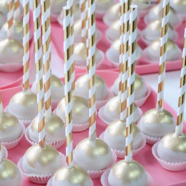 C129 - cake pop, pops, lizaki, słodki stół, kącik, candy, bar , złote, warszawa, z dostawą, na ślub, wesele, event
