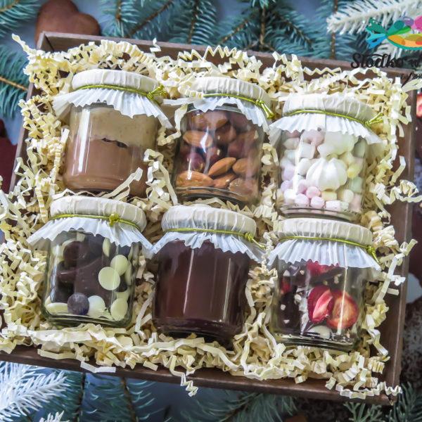 SW72 - kosze, prezentowe, frykasy, dla firm, pracowników, słodycze firmowe, reklamowe, personalizowane, warszawa, świąteczne, prezenty, z dostawą