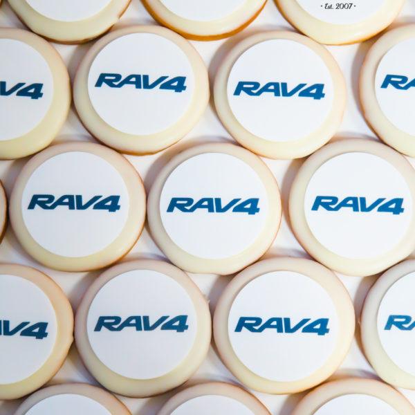 F129 - ciastka firmowe, kruche, dla firm, słodycze firmowe, reklamowe ,personalizowane, słodko w ustach, toyota, rav4
