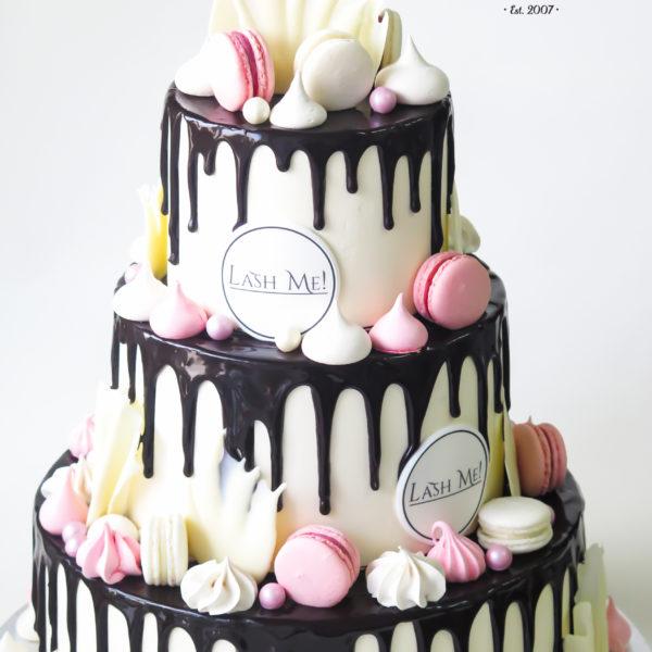 F136 - tort firmowy, dla firm, słodycze firmowe, reklamowe, lashme , prezent, personalizowane, warszawa, bez masy cukrowej, drip, cake,