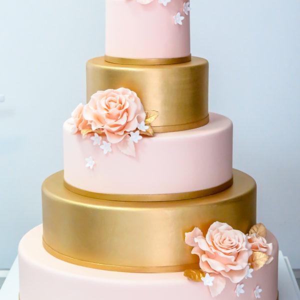 S32 - tort na ślub, wesele, ślubny, weselny, biel, róż, złoto, złocony, złoty, piętrowy , z kwiatami, kwiaty, róże, cake, piaseczno, z dostawą,