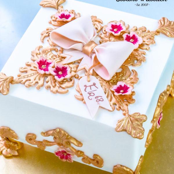 U410 - tort urodzinowy, na urodziny, szkatułka, złocony, z kwiatami, artystyczny, warszawa, z dostawą, prezent,