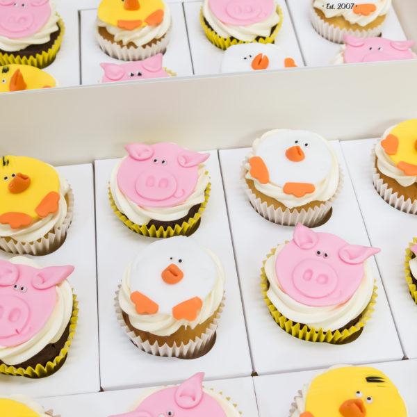 C154 - cupcakes, muffiny, zwierzątka, słodki stół, kącik, candy, bar , urodziny,