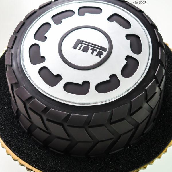U438 - tort urodzinowy, na urodziny, opona, samochodowa, męski, artystyczny, warszawa