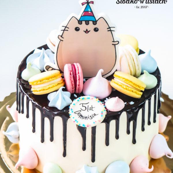 K42 - tort, drip, cake, z figurką, pusheen, z bezami,, bezy, bez masy cukrowej, makaroniki, urodzinowy, warszawa, z dostawą,