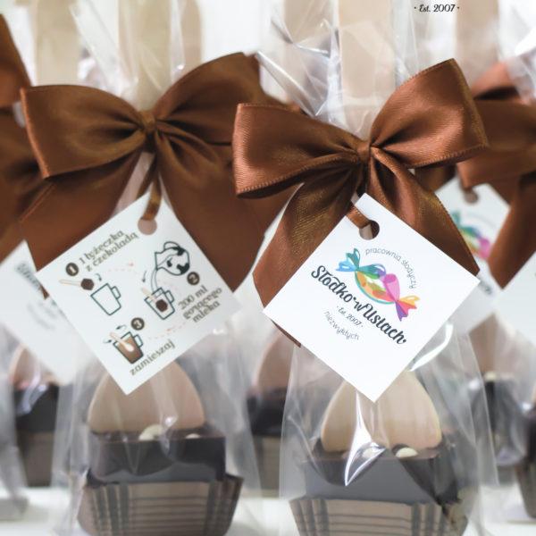F175 - czekoladowe łyżeczki, do mleka, łyżeczki z czekoladą, dla firm, słodycze firmowe, reklamowe, personalizowane, z logo, warszawa, świąteczne, prezenty, z dostawą, event,
